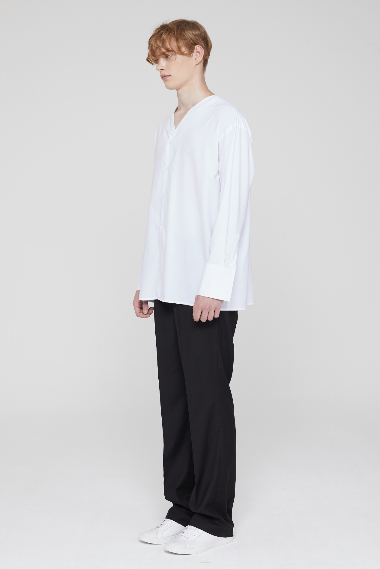[PREVIEW 20SS ITEMS SALE] V NECK SHIRT (WHITE)