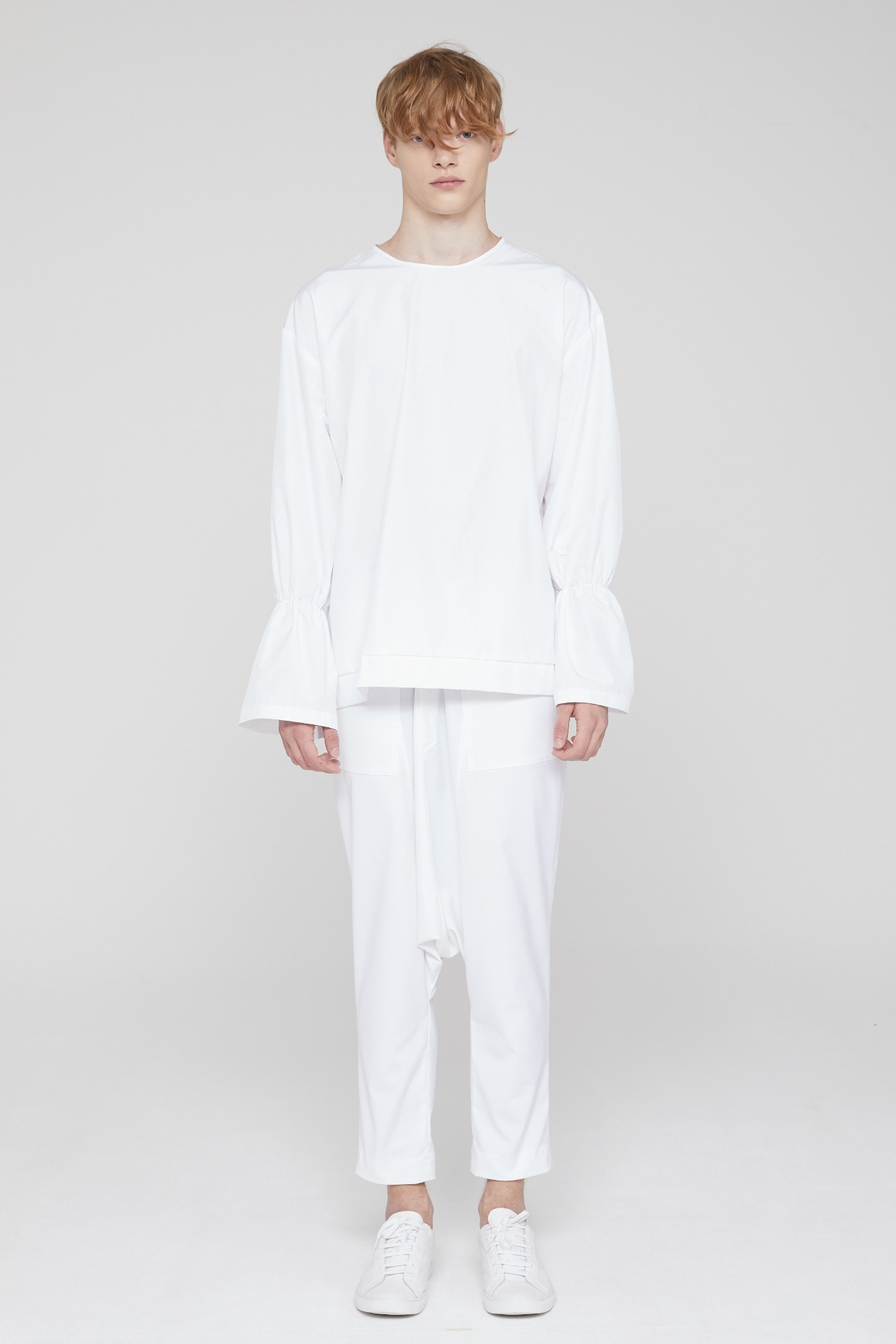 [ATELIER LINE] SHIRRING SLEEVE TOP (WHITE)